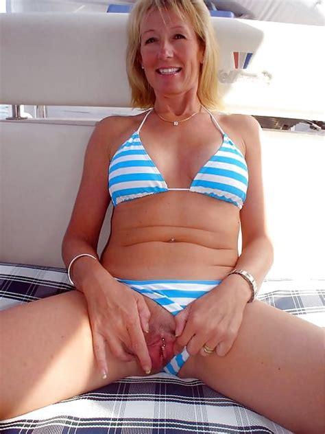Amateur Moms In Bikini 27 Pics Xhamster