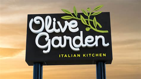 Olive Garden Adds 'Giant' 12-Ounce Meatball to Menu