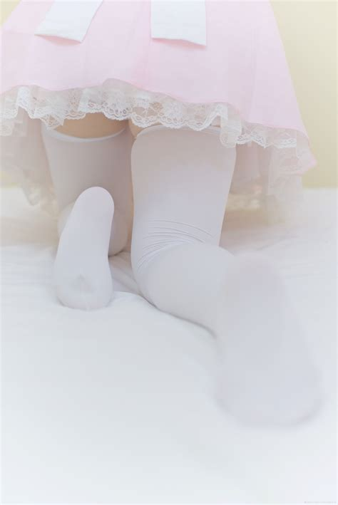 Teen Girl Skirt Legs Feet Hot Girl Hd Wallpaper