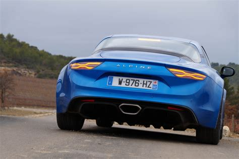 Alpine A110 Ford Mustang Gt Vergleich by Alpine A110 Auto55 Be Tests