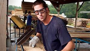 When Should You Wear Safety Goggles Instead of Safety Glasses?