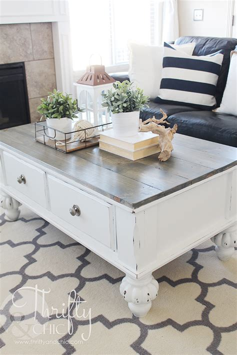 This is one of the most common questions farah gets. Farmhouse style coffee table makeover. How to update an old coffee table into a cute farmhouse ...