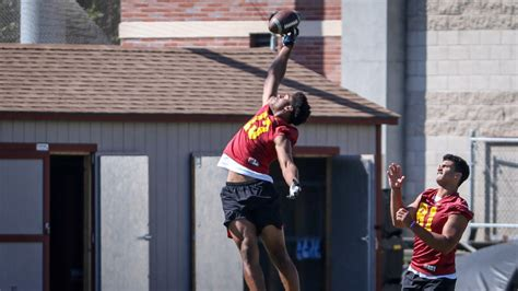 foto de USC's Munir McClain creates a buzz he didn't have in