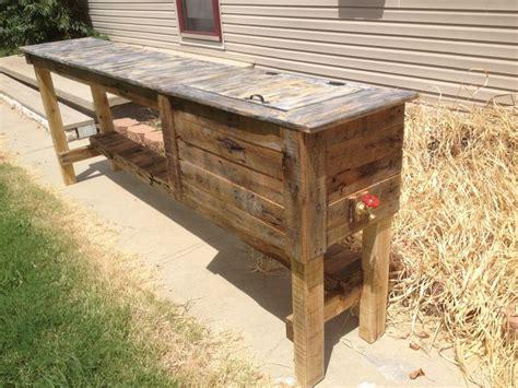 outdoor bar  built  cooler   outdoor kitchen