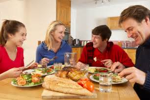 family dinners deliver healthy benefits