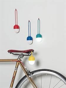 Lampe Sans Fil Deco : lampe sans fil clover lampe led nomade jaune lexon ~ Teatrodelosmanantiales.com Idées de Décoration