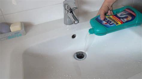 Abfluss Verstopft Diese Mittel Helfen by Verstopftes Waschbecken 5 Methoden Den Abfluss Zu