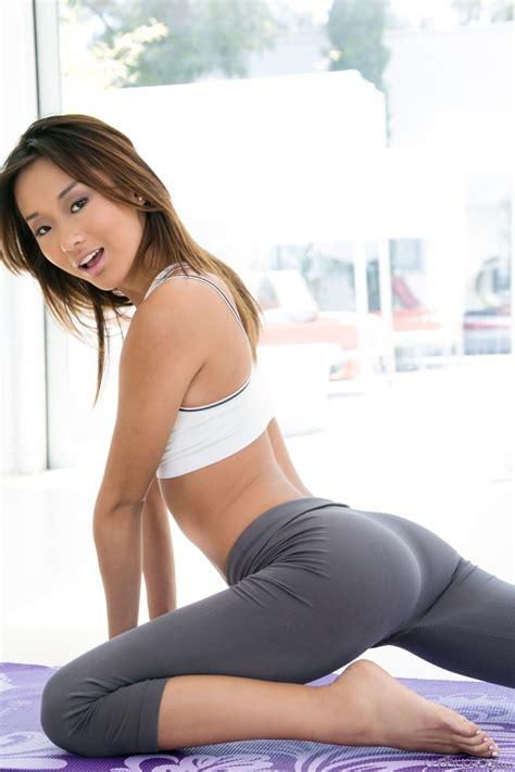 Adriana chechik and Alina Li Get Naked and Do Yoga - Pichunter