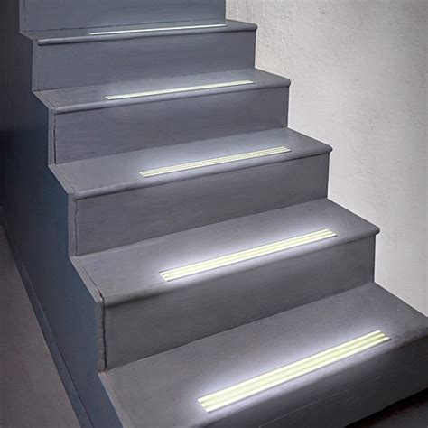 glow  dark stair treads set     organized