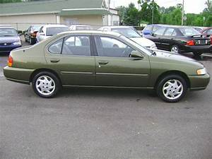 1998 Nissan Altima - Information And Photos