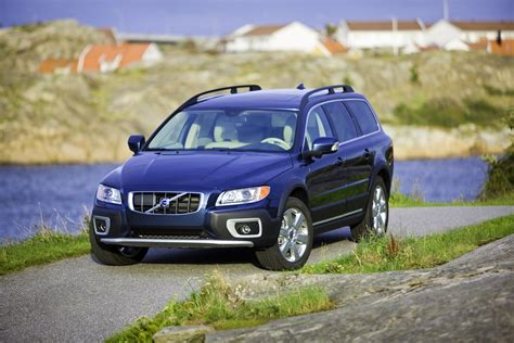 2010 Volvo Xc70 by 2010 Volvo Xc70 Picture 21322