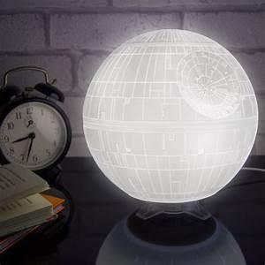 Lampe Star Wars : lampe d 39 ambiance star wars etoile de la mort ~ Orissabook.com Haus und Dekorationen