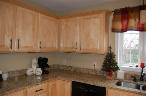 Kitchen Cabinet Doors With Knobs by Furniture Remodeling Your Cabinets With Cabinet Knob