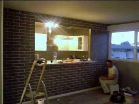 cr 233 ation d un faux mur en brique effet stucco