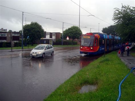 pictures flooding  sheffield british trams  news
