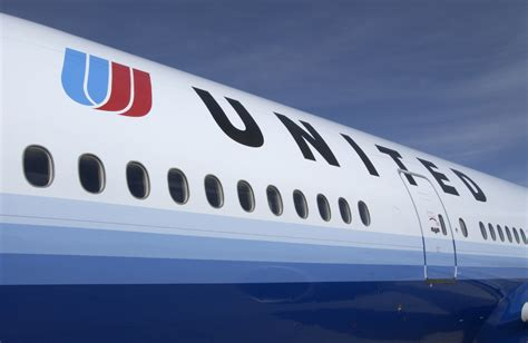 United Airlines To Customers 'your Leggings Are Welcome