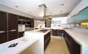 küche braun moderne küche in braun weiss bauen und wohnen in der schweiz