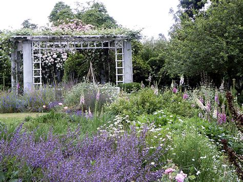 country landscaping ideas country garden landscaping ideas pictures to pin on pinterest pinsdaddy