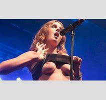 Tove Lo Flashing Tits To The Crowd In Rio De Janeiro The Nip Slip