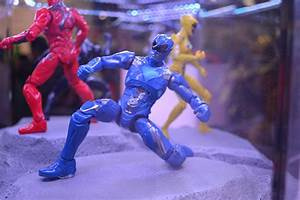 SDCC16: Power Rangers Action Figures Show New Movie Look ...