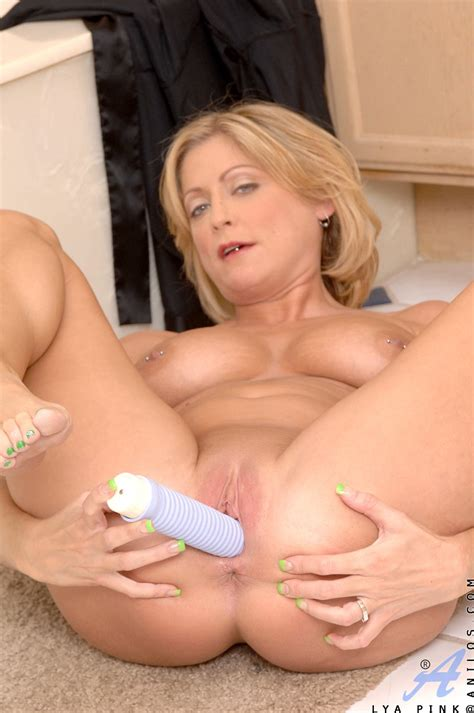 freshest mature women on the net featuring anilos lya pink anilos woman