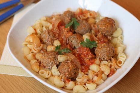 pates a la tunisienne p 226 tes 224 la mode tunisienne boulettes de boeuf au fenouil sauce tomate paperblog