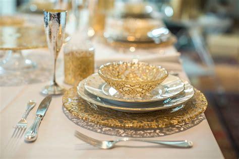 tavola natalizia oro apparecchiare la tavola a natale 5 dettagli importanti