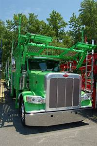 Even The Tanks Are Green On This Peterbilt  Cottrell