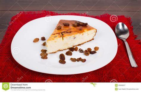 tarte de fromage blanc avec des raisins secs photographie stock libre de droits image 33008207