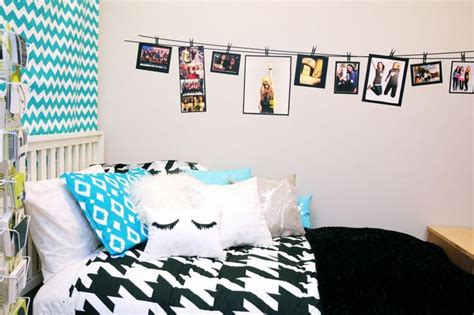 diy tumblr room decor hanging pictures on a string or
