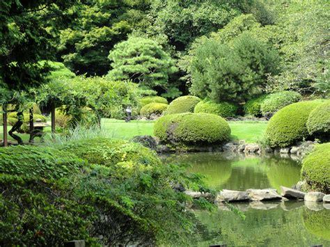 shinjuku gyoen national garden file shinjuku gyoen national garden dsc05107 jpg