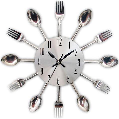 reloj moderno de pared cubiertos  cocina