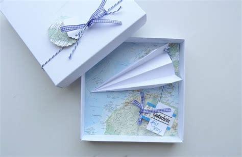 ausgefallene geschenke selbstgemacht geldgeschenk reise gutschein flugreise landkarte products and oder