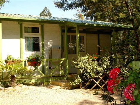 chambres d h es calvi bungalow 6 personnes 2 chambres
