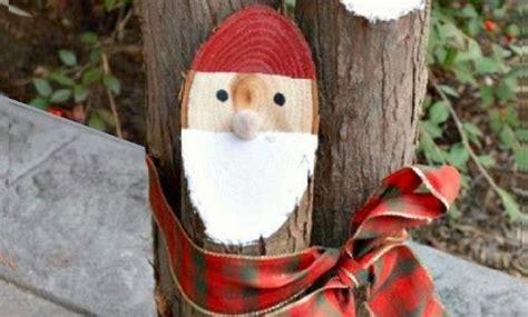 decorations de noel  faire avec de vieilles buches de bois
