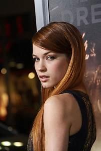 Alexis Knapp summary | Film Actresses