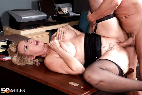 Babe Today 50 Plus Milfs Laura Layne Nasty Big Tits Vrporn Porn Pics