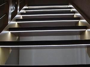 Led Beleuchtung Treppenstufen : treppenbeleuchtung stiege handlauf ~ Sanjose-hotels-ca.com Haus und Dekorationen