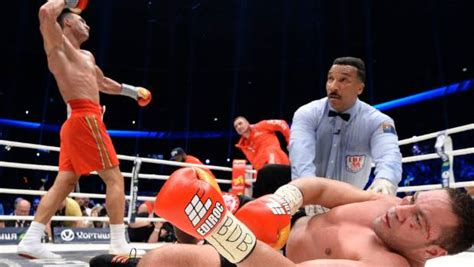 legendary boxing referee tony weeks prepares