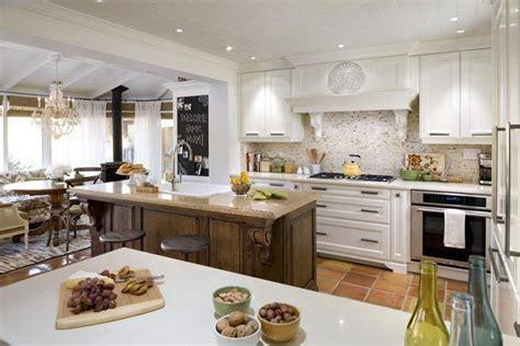 Kitchen With Saltillo Tile (candice Olson's Mom's Kitchen. Modern Kitchens And Baths. Atlanta Kitchen Equipment. Hotels In Orlando With Kitchen. Picasso Kitchen