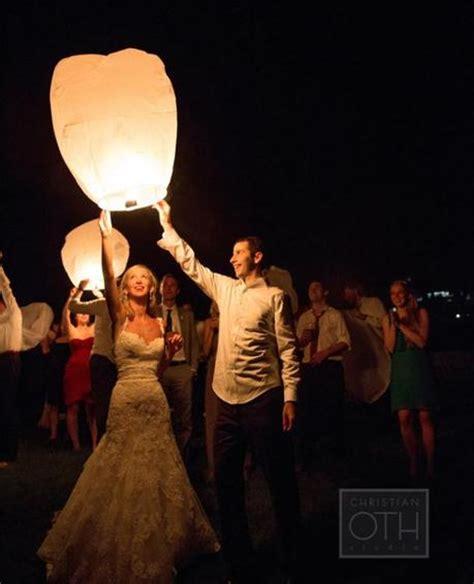 lancer de lanterne mariage d 233 coration de mariage romantique ch 234 tre grise et pastel 192 d 233 couvrir