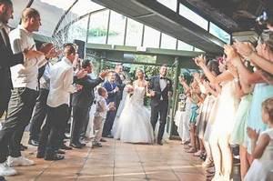 Musique Entrée Salle Mariage : les meilleures chansons pour l 39 arriv e des mari s dans la ~ Melissatoandfro.com Idées de Décoration
