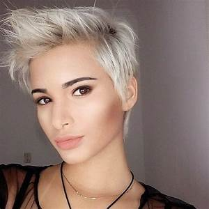 Coupe Femme Courte Blonde : coupes courtes blondes 10 photos de coupes courtes pour femmes blondes coiffure simple et facile ~ Carolinahurricanesstore.com Idées de Décoration