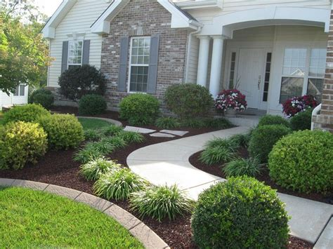 Cool Simple, Fresh And Beautiful Front Yard