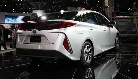 toyota prius prime plug  hybrid model revealed