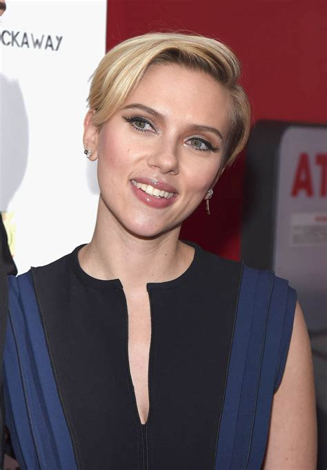 scarlett johansson  twin brother hunter host hurricane