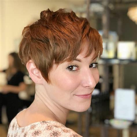 short haircuts  women trending