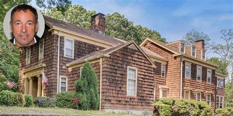 Bruce Springsteen House - Bruce Springsteen Holmdel Home