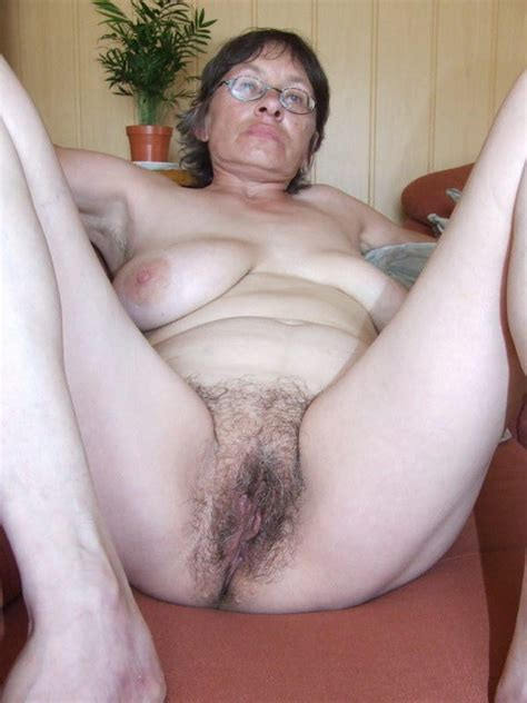 busty granny with hairy pussy posing and toying pichunter