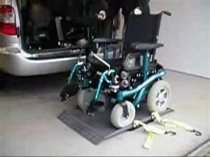 Mettre Un Fauteuil Roulant Dans Une Voiture : handi mobil transformations de voitures pour handicap s chargeur de fauteuil roulant youtube ~ Medecine-chirurgie-esthetiques.com Avis de Voitures